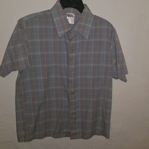 Other - Simple button down shirt for boys